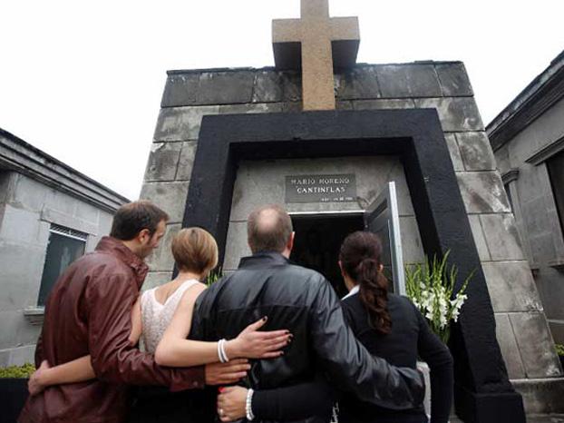 cementerio_cantinflas_877_622x466